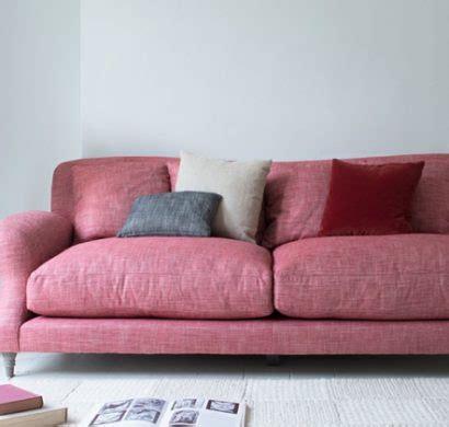 détachant tissu canapé conseils comment nettoyer un canapé en tissu et enlever