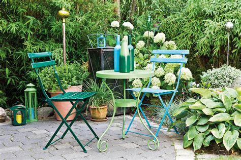 peindre chaise de jardin en plastique peindre les meubles de jardin