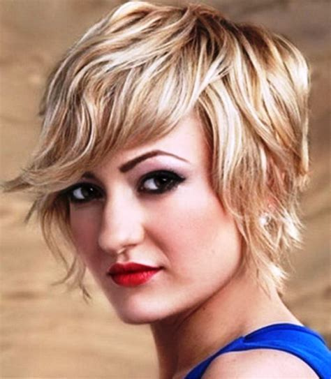 pictures of short wavy hairstyles for square faces