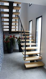 Escalier 4 Marches : escalier 2 4 tournant avec limon central et marches en ch ne brescia vient s 39 installer dans ce ~ Melissatoandfro.com Idées de Décoration