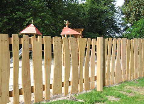 Märchenzaun Aus Robinien Holz  Ziegler Spielplätze