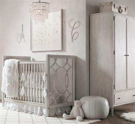 chambre bébé blanche et grise idées pour la décoration chambre bébé fille