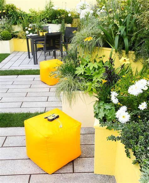 10 Yellow Garden Ideas : Walls, Furniture or Plants