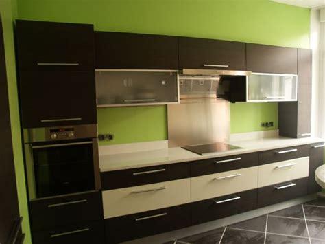 cuisine gris et vert cuisine gris et vert anis cuisine 2 photos eva36 tapis