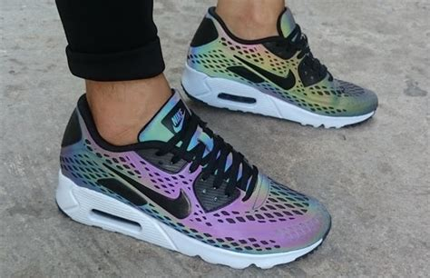 Nike Air Max 90 Ultra Moire Holographic