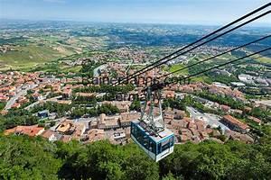 Republik San Marino  San Marino Stadt  Seilbahn Vom Borgo Maggiore Auf Den Monte Titano
