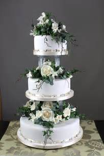traditional wedding cake robineau patisserie wedding cake designers confectioners chocolatiers