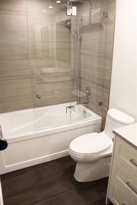 Bathroom Tile Ideas For Small Bathroom by Beautiful Bathroom Renovation Project Featuring 18 Quot X 36