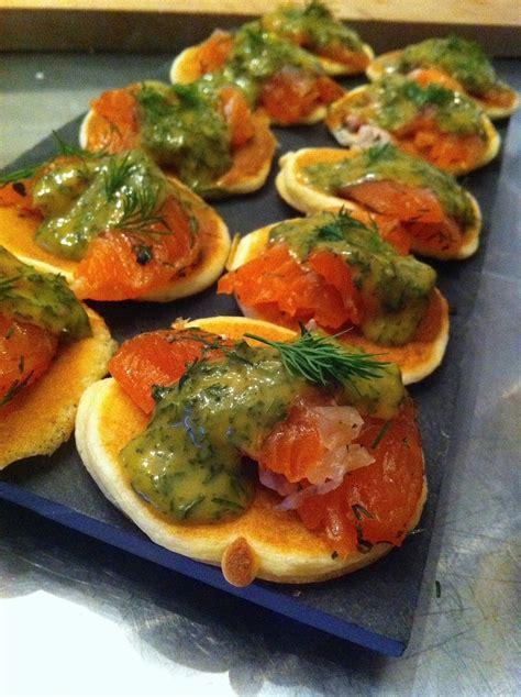 canapé au saumon saumon gravlax sauce norvégienne la cuisine de micheline