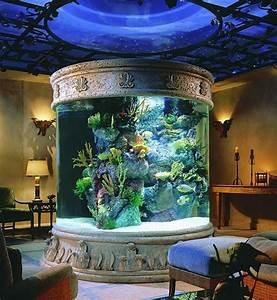 Coole Aquarium Deko : l aquarium mural en 41 images inspirantes ~ Markanthonyermac.com Haus und Dekorationen