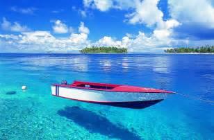 タヒチ:タヒチの係留ボート、キレイさ ...