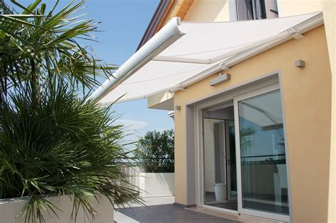 lateral arm awning  venezia contemporary functional