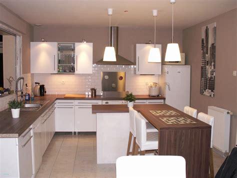 ccp cuisine peinture murale cuisine gris taupe avec decoration cuisine bleu et jaune idees et cuisine mur
