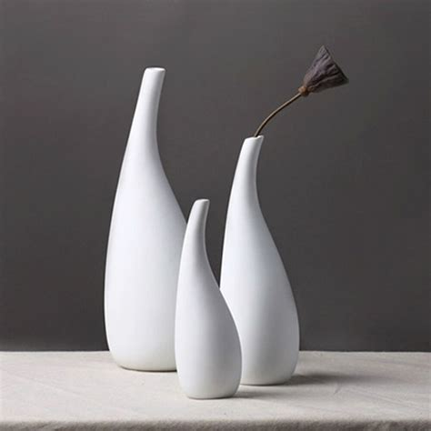 White Vase by 3 Size Modern Streamline Ceramic Vase White Porcelain