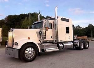 2020 Kenworth W900l Sleeper Semi Truck