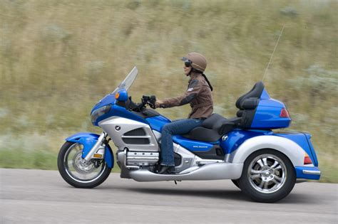 roadsmith  gold wing trike review ht