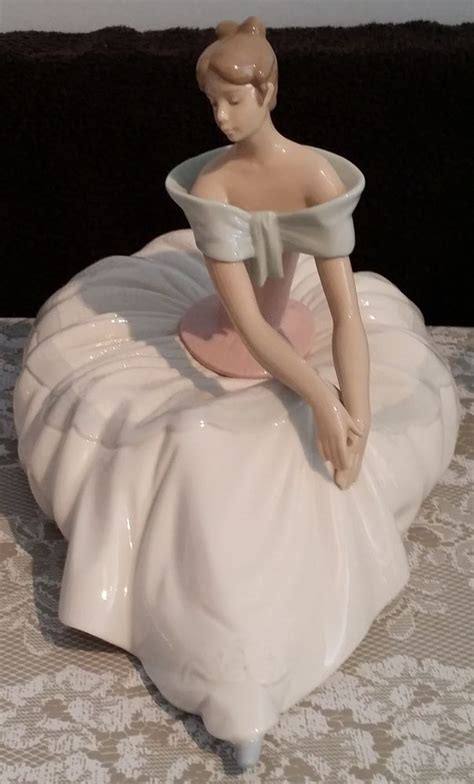 lovely retired large lladro nao figurine hope