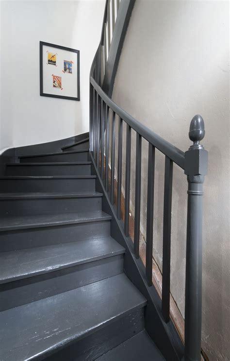 comment renover un escalier en bois comment peindre un escalier en bois