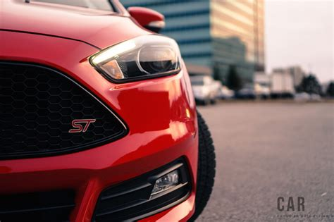 Ford Focus St-line (2017) Review