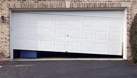 Garage Door Repair Diy by Reedsburg Wi True Value Hardware Store Do It Yourself