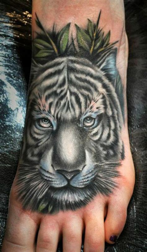 tattoo fuss ideen stilvoll im trend bleiben