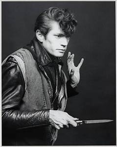 "People and Place: Exhibition - ""Robert Mapplethorpe"""