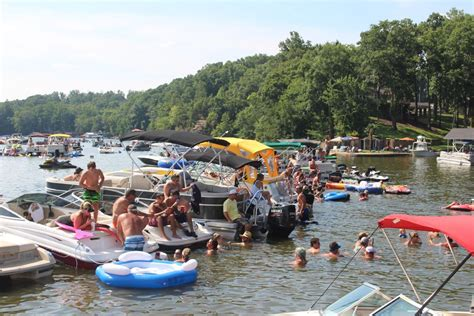 Chicago Annual Boat Party by Rolling On The River 11th Annual Elk River Boat Party Set
