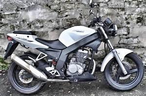 125 Daelim Roadwin : daelim roadwin 125 moto d 39 occasion chambourcy motos 78 yvelines ~ Gottalentnigeria.com Avis de Voitures