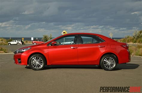 toyota corolla zr sedan review video performancedrive