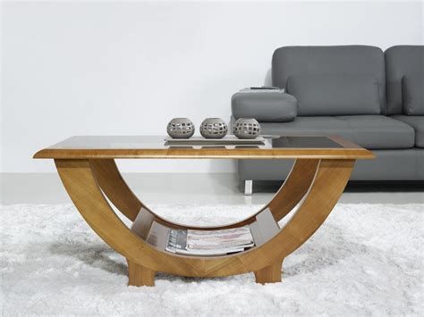 table basse en merisier massif de style contemporain meuble en merisier massif