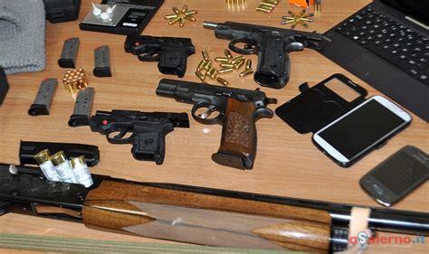 Questura Di Salerno Ufficio Porto D Armi - armi a salerno 881 fucili e pistole ritirate dalla