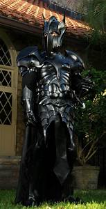 Geek Cosplay: Insanely Cool Medieval Batman Armor — GeekTyrant