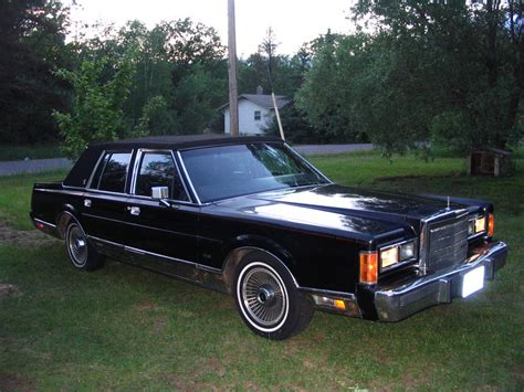 Chicitylincoln Lincoln Town Car Specs Photos