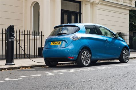 New Electric Cars For Sale by New 2017 Renault Zoe Z E 40 On Sale For 163 18k By Car Magazine