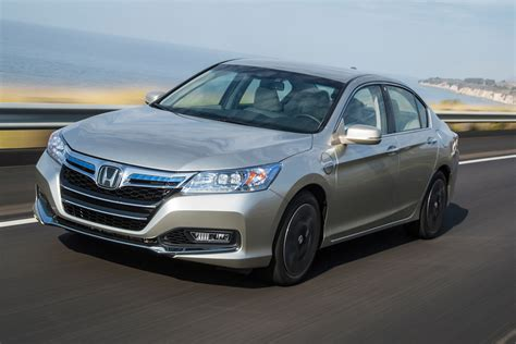 honda accord plug  hybrid review   chevy volt