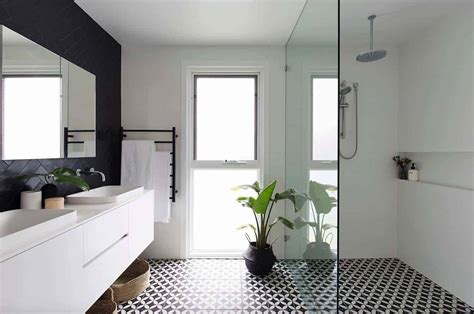 Modern Bathroom Black Tile by 25 Incredibly Stylish Black And White Bathroom Ideas To