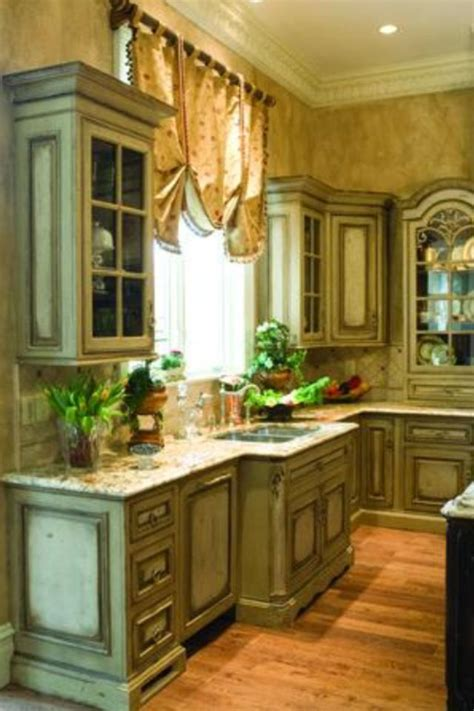 reclaimed kitchen cabinets best 25 distressed cabinets ideas on country 1741