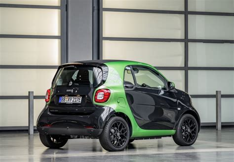 2017 smart electric drive range fortwo cabrio forfour image 552708