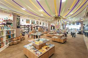 Inside London's Biggest Bookshop Londonist