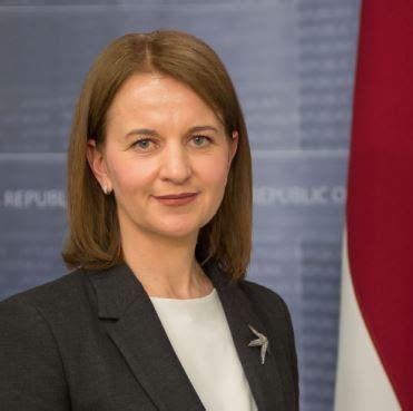 NVA direktore tiksies ar Latvijas valstspiederīgajiem ...