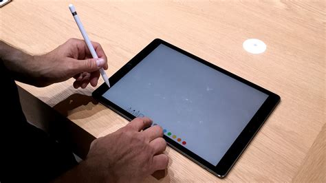 hands    ipad pro apple pencil  smart