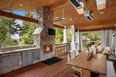 19+ Stunning Outdoor Kitchen On Wood Deck