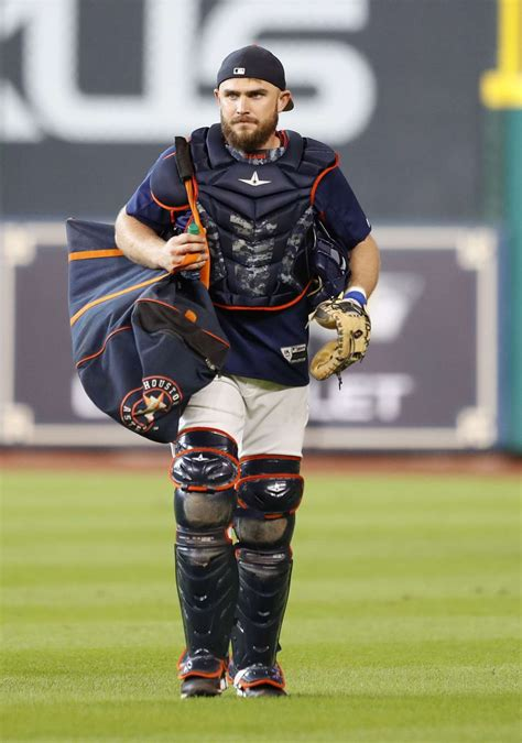 Astros unlikely to acquire another catcher ahead of 2018