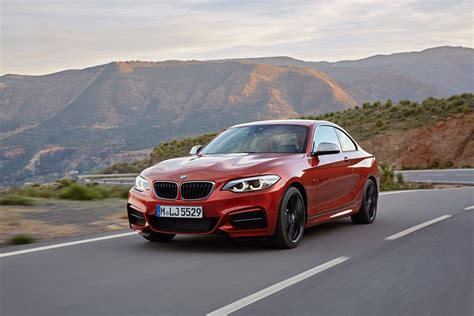 2 Series Facelift by World Premiere Bmw 2 Series Coupe And Convertible Facelift