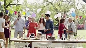Family Celebration or a Garden Video de stock (totalmente ...