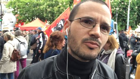 Que pensent les manifestants anti-loi Travail du policier agressé? - YouTube