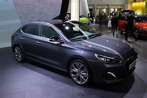 Hyundai La Garde : hyundai i30 fastback le coup de cor e vid o en direct du salon de francfort ~ Medecine-chirurgie-esthetiques.com Avis de Voitures
