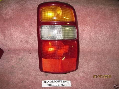 2002 chevy tahoe tail lights 2000 2001 2002 2003 chevrolet tahoe passenger rh tail