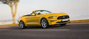 Ford Mustang Convertible Review 2021 | carwow