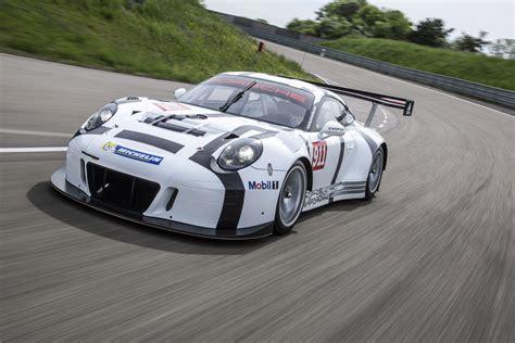 porsche  gt  race car revealed